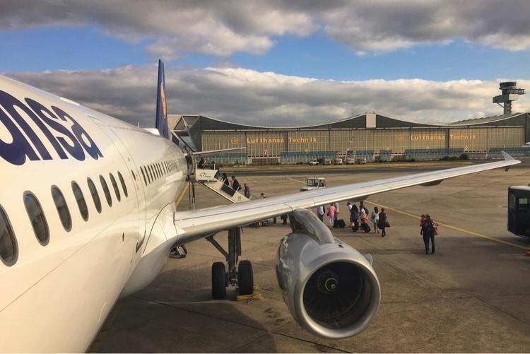 FRA Lufthansa :airplane:️ LH324 - rowiro   ello