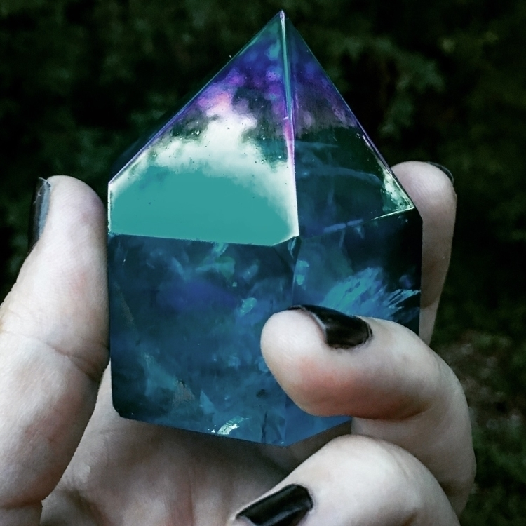 Listing items weekend - crystal - helloviolet | ello