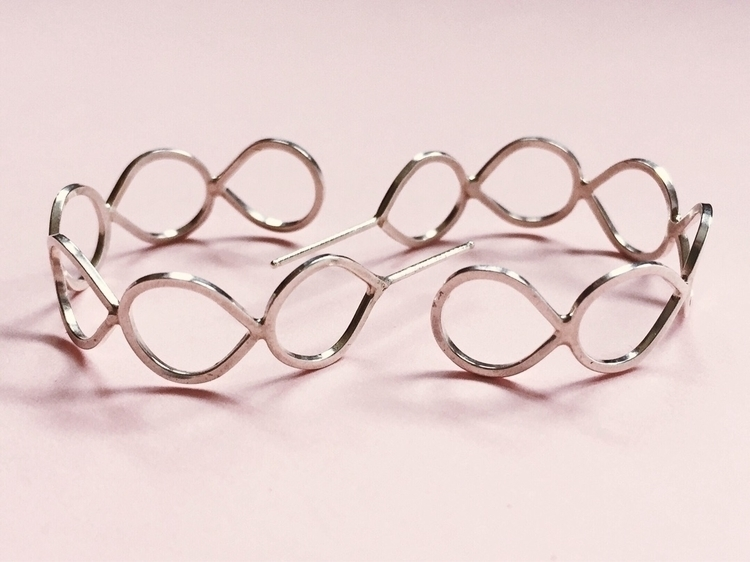 Raindrop hoop earrings - ellojewelry - tinyerica | ello