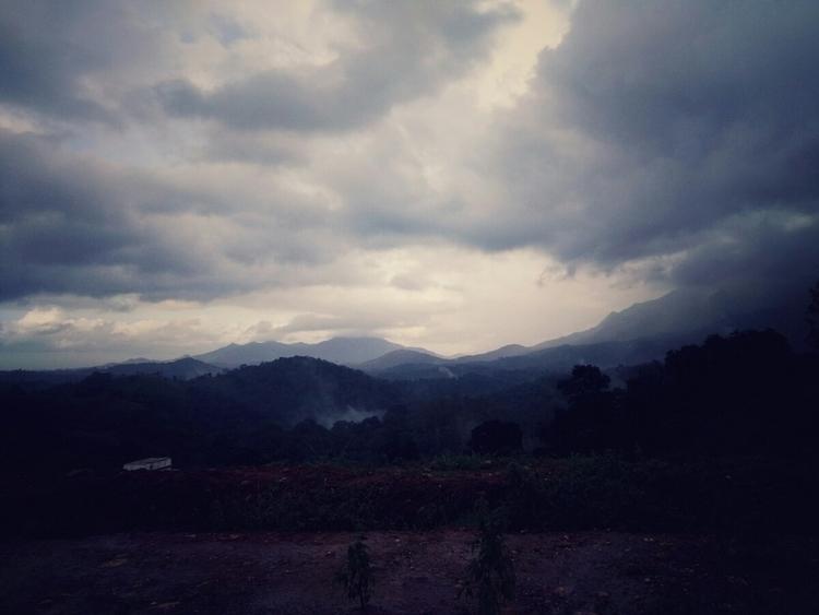cloud covered evening. rain not - ceinn | ello