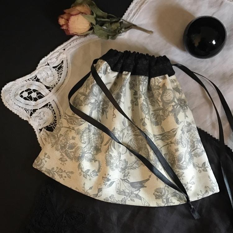 tarot bags shop 🖤:herb - hearthandcrow | ello