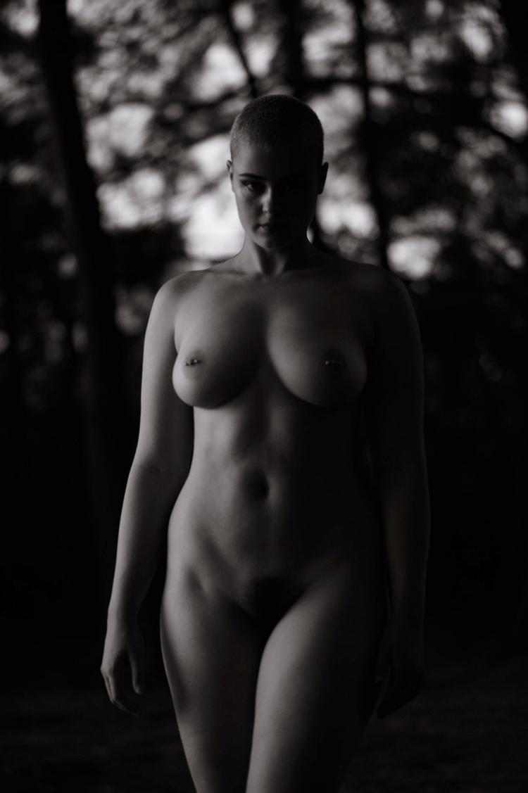 Stefania Ferrario sunset nudes  - d-eye | ello