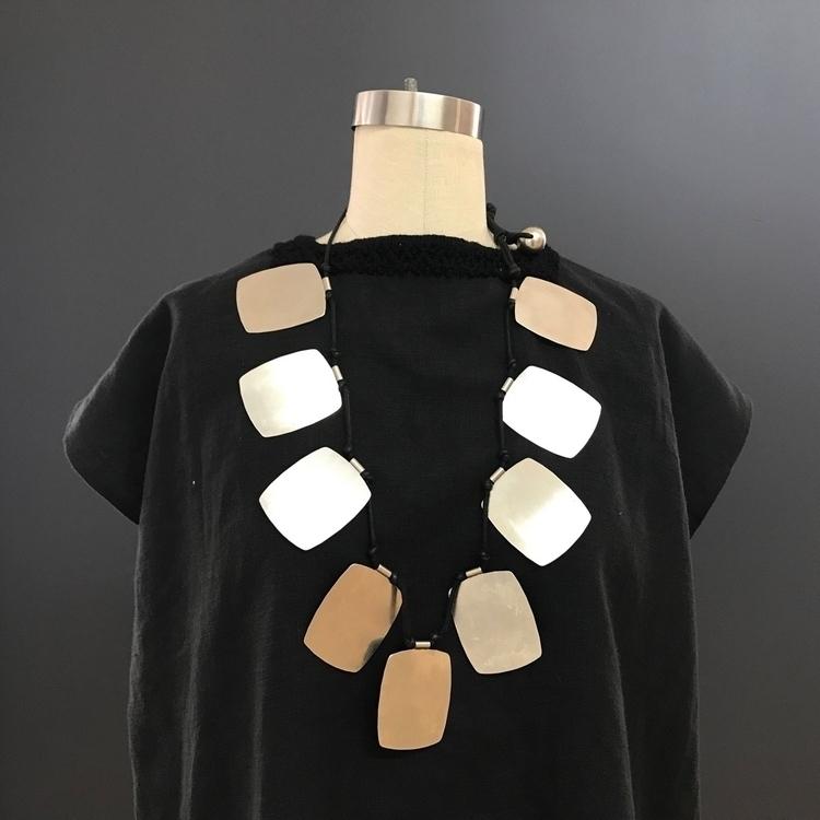 Check necklace pull big home - 1980s - ellothrift | ello