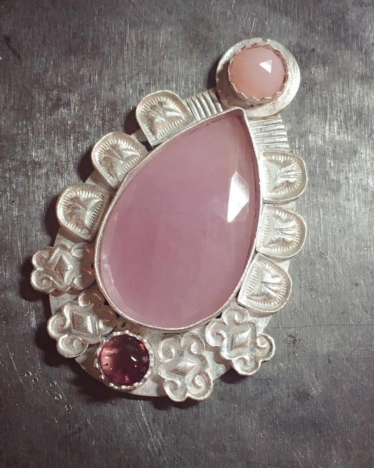 Working pink piece - sapphire, tourmaline - proxartist | ello