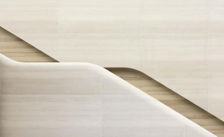 Detail staircase handrail, carv - elloarchitecture | ello