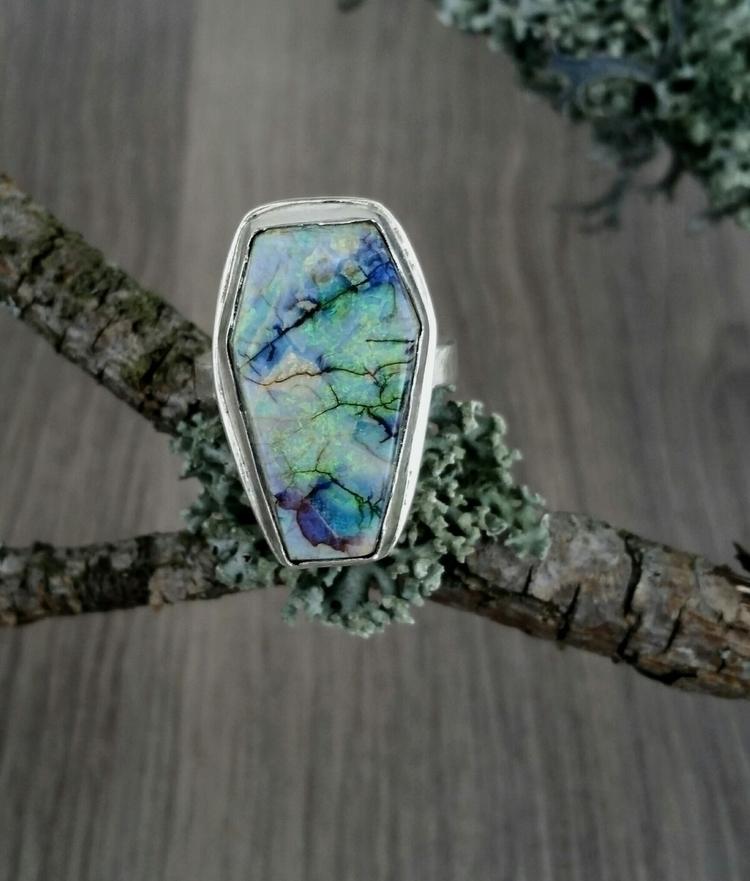Sterling silver coffin ring fea - pretiosadesign | ello