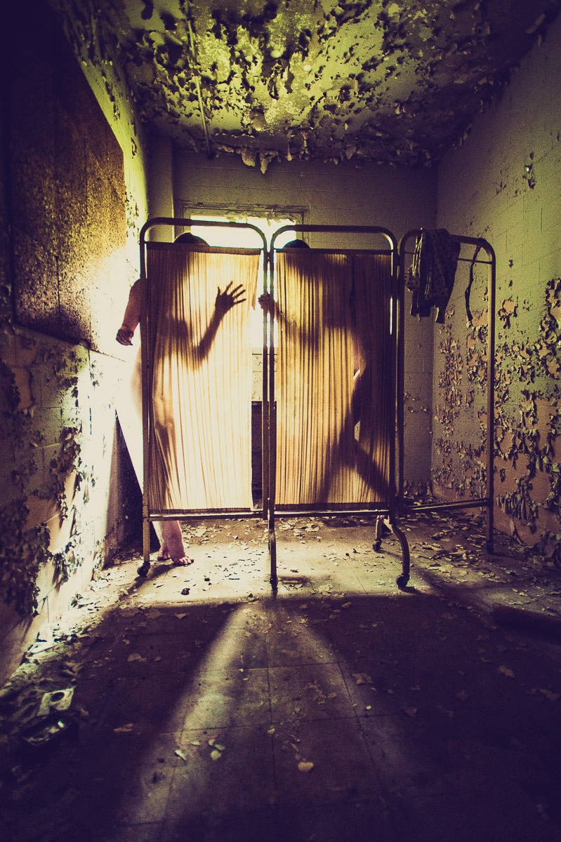 Photographer: John Dollarhyde  - darkbeautymag | ello