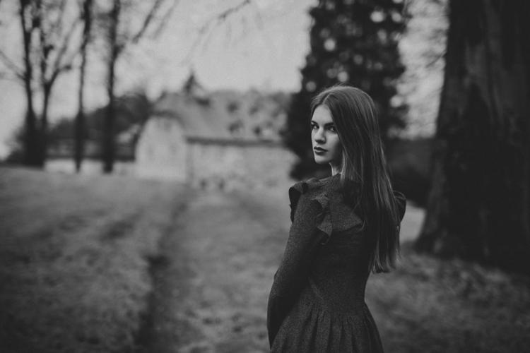 Photographer:Danuta Urbanowicz - darkbeautymag   ello
