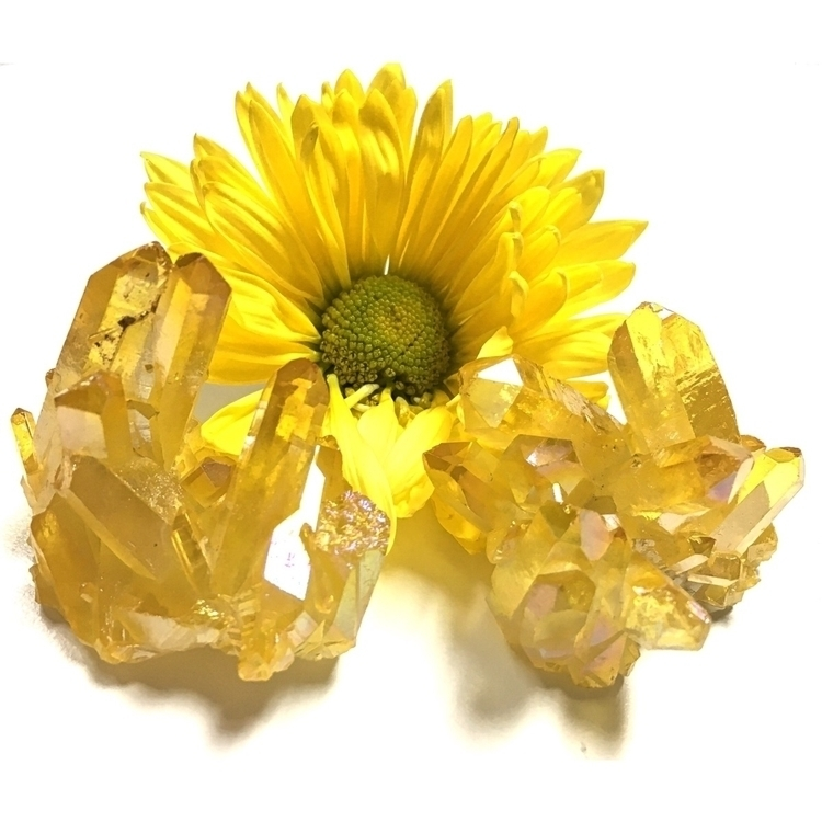 simply fallen love yellow aura  - pappasquirrel | ello