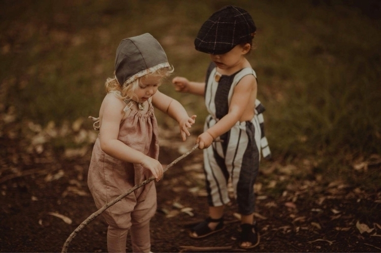 cuter children playing nature g - lovenestgifts | ello