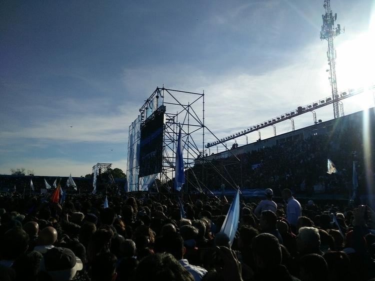CFK, la lucha continua. 20/06/1 - phenomenological | ello