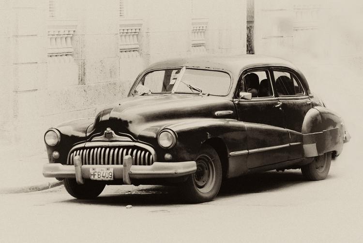 rolling grim teeth - Habana, Cuba - christofkessemeier | ello