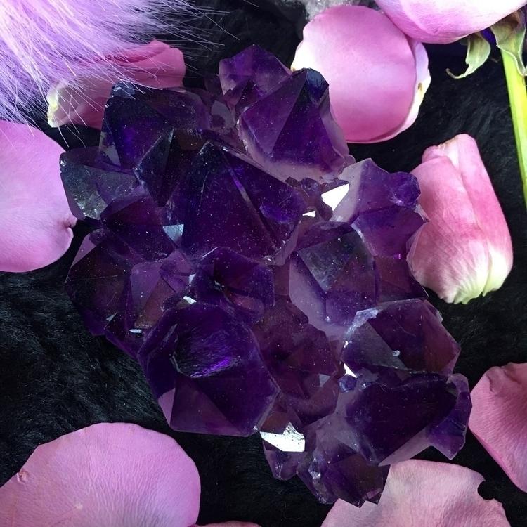 crystal heart :hearts:︎ ︎︎ - crystals - occultkitten | ello
