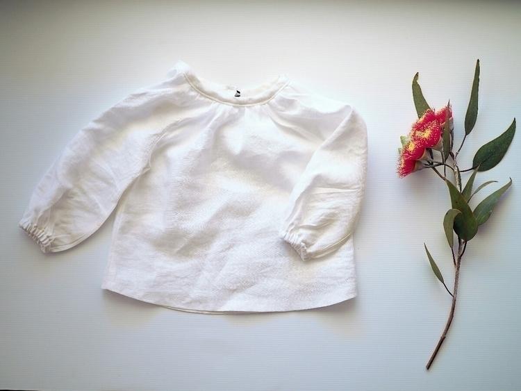 linen unisex blouse. Wear layer - whileshenapsshop | ello