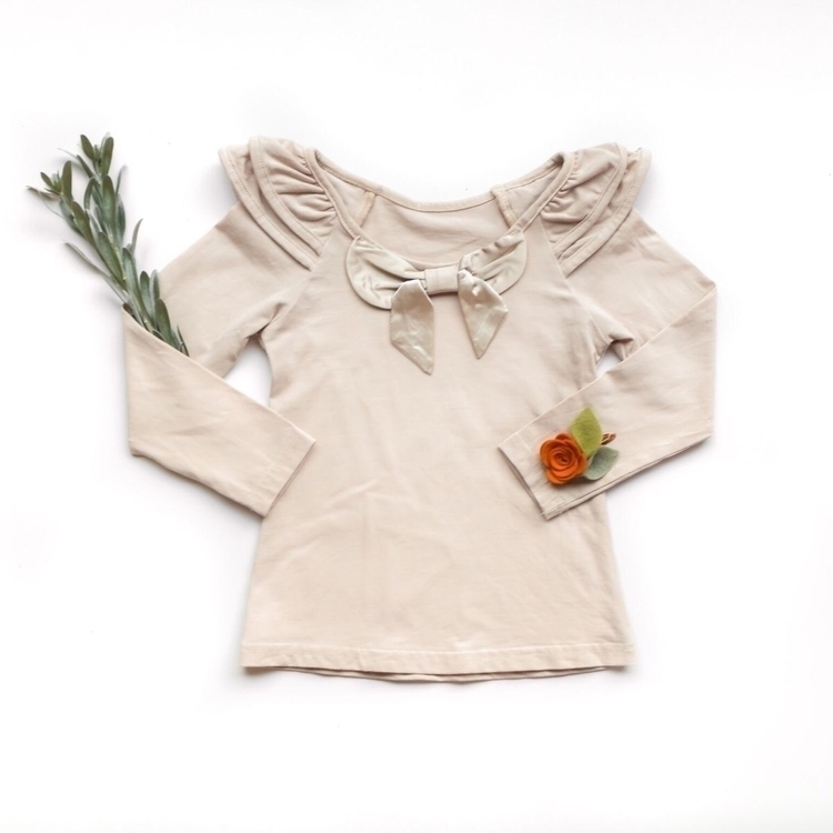 | Cream Bow Top Sizes 6-12M 8 R - kcoulstdesigns | ello