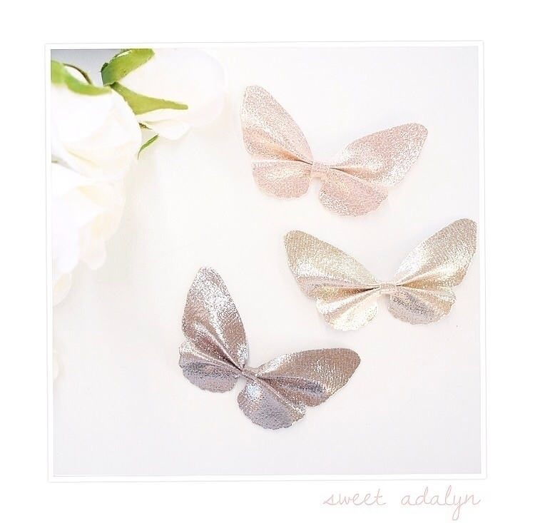 Flutter brand shimmer Holly bow - sweetadalyn | ello
