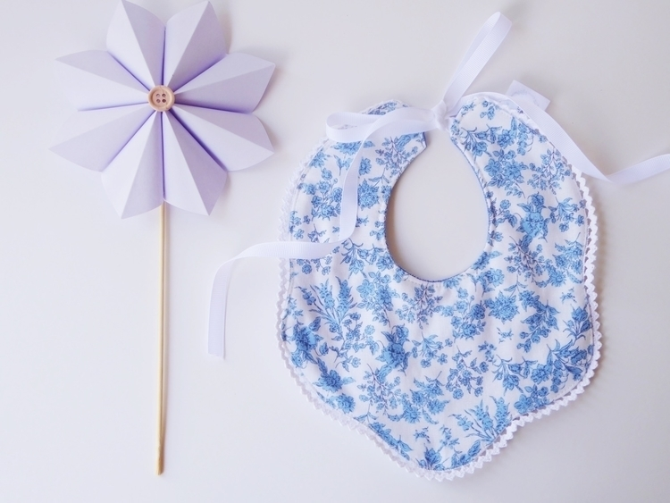 beautiful 'florance' bib stunni - littlegoose | ello