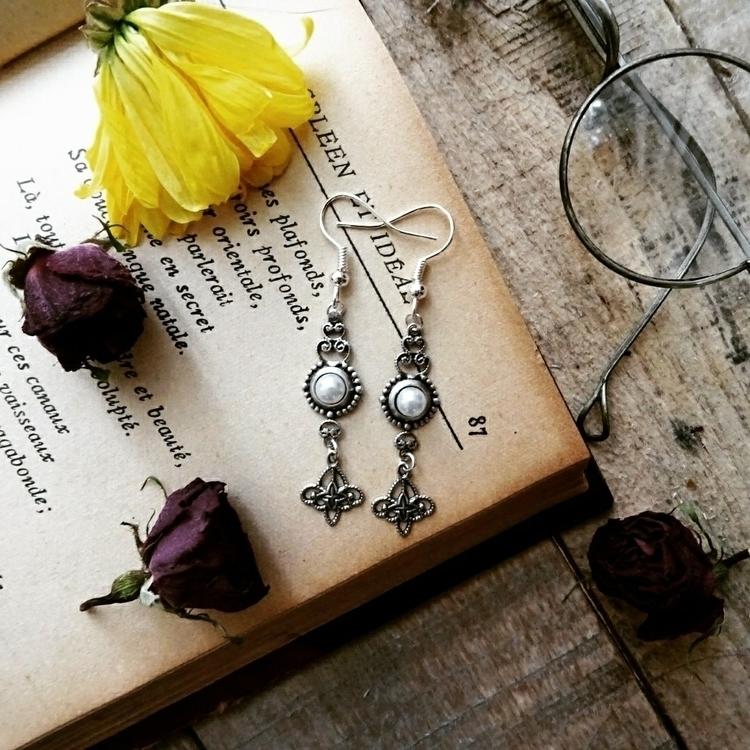 Victorian shell earrings - victorian - ghoulandlovingit | ello