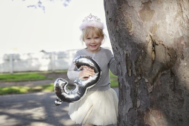 beautiful niece turned 3 today - coopandmillie   ello
