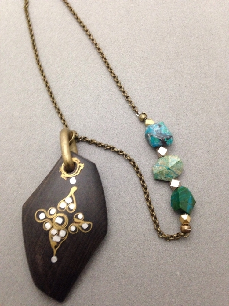 kind necklace Featuring inlaid  - soulluvshop | ello