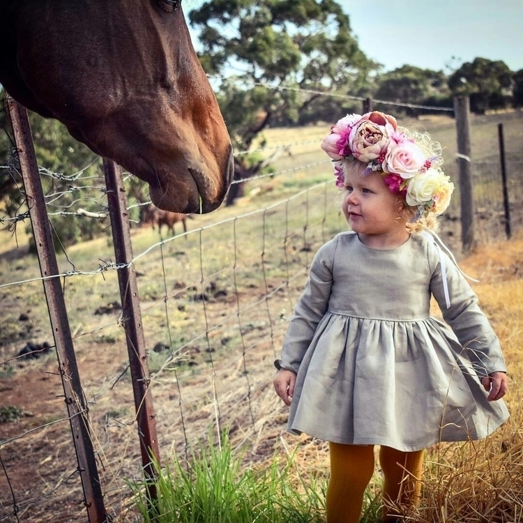 Horse Bonding natures creatures - mylittlerussiandoll | ello