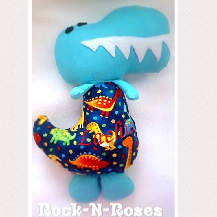 Roar! Lachie moving big bed wee - rocknrosesdolls | ello