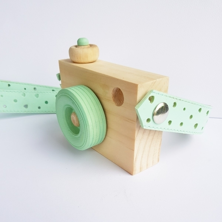 sweet custom wooden toy camera  - blossomandbeekids | ello