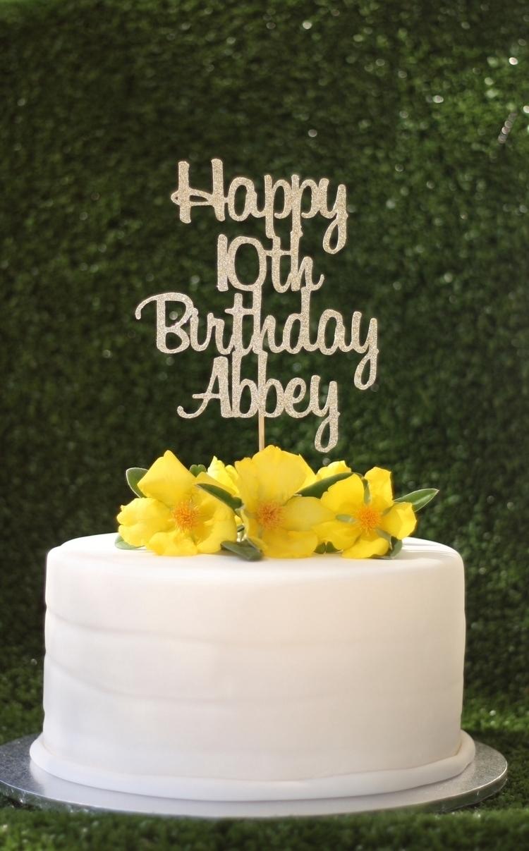 Personalised 10th Birthday cake - kaivalyadesigns   ello