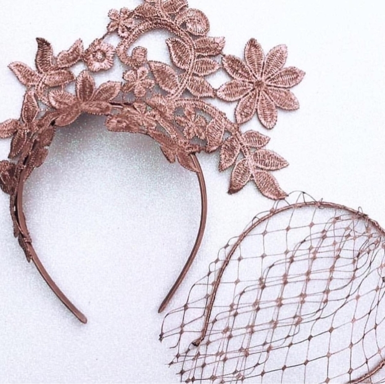 Lilly Lace Fascinator ~ Piece l - doilydelightz | ello