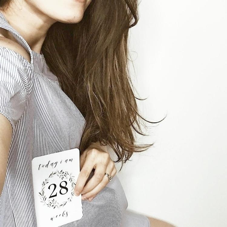 28 weeks pregnant ♡ Document gr - blossomandpear | ello