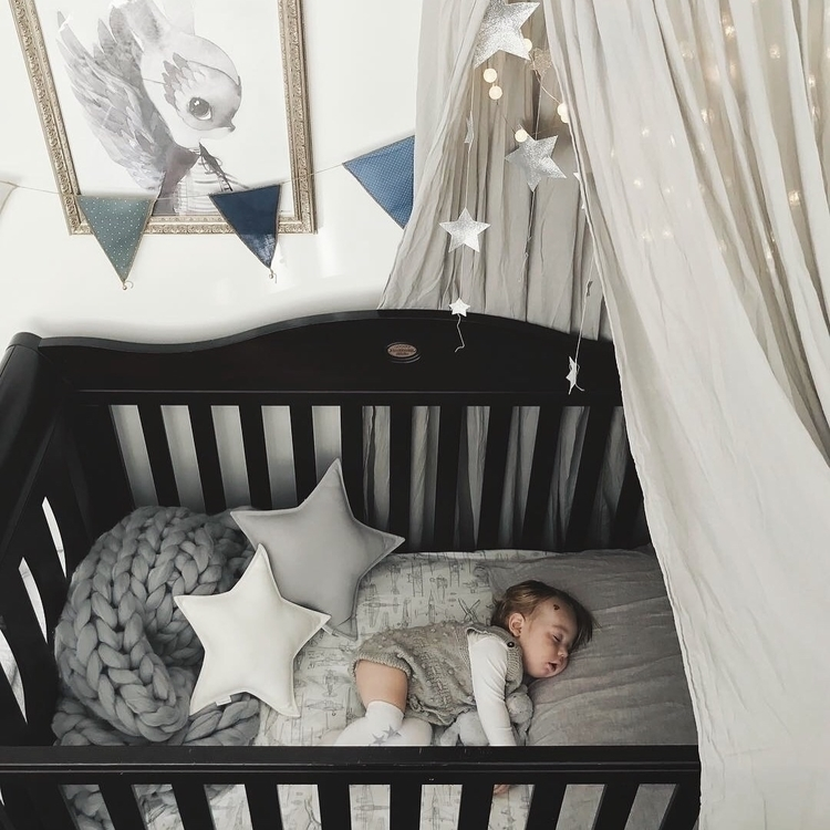 love sleeping bubbas. peaceful  - jackandwillow   ello