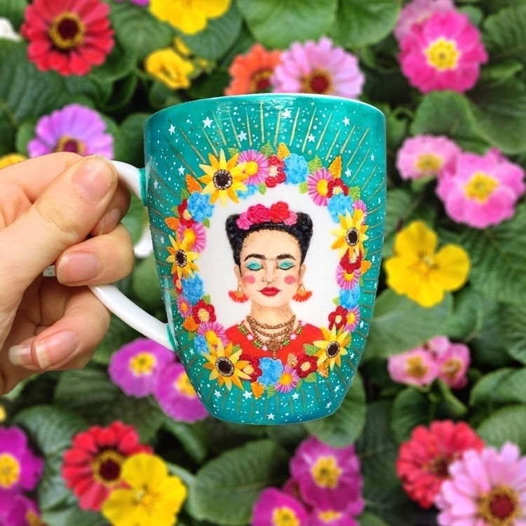 paint flowers die - Frida Kahlo - thequirkycupcollective   ello
