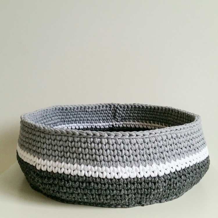 Giant chunky 4yo fits - crochetbasket - zala_threadz | ello