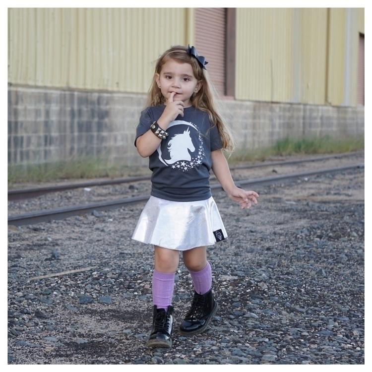 adorable!! wearing Unicorn Star - rokthreadz | ello