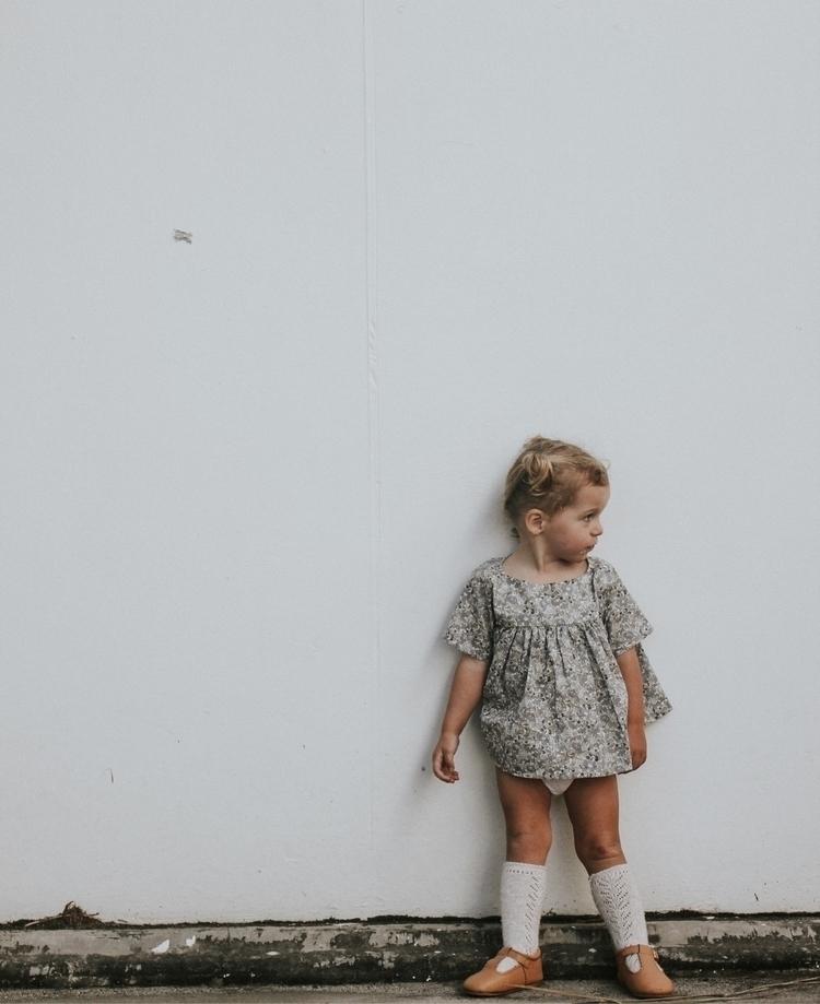 knees - lifewithwinter | ello