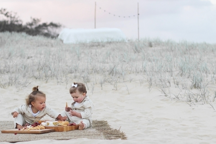 love picnic beach - motherhoodsimplified - kimandco | ello