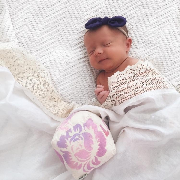 sleeping newborn? face! 'Love'  - whoisq | ello