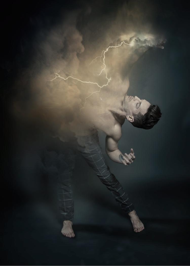 Embracing storm - ellophoto, artshoot - superwatazo   ello