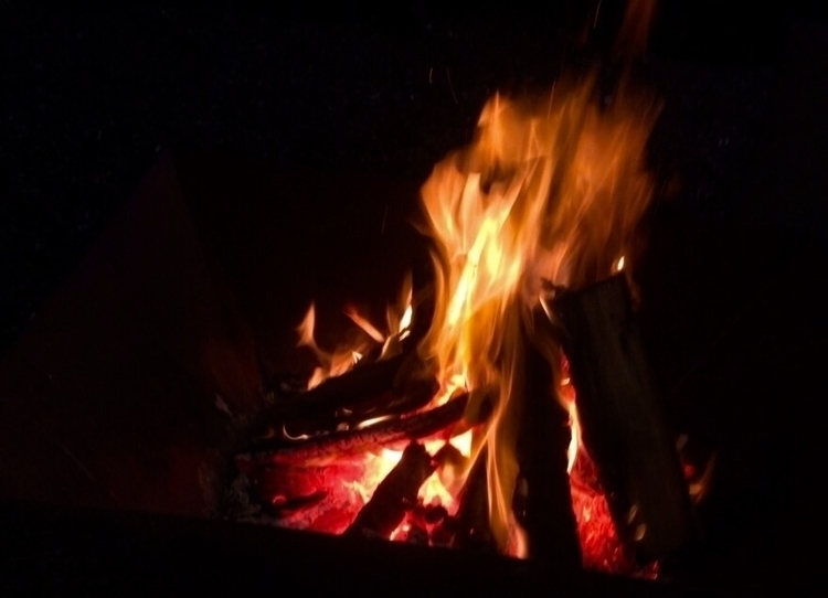 spark life - fire, campfire, photo - amateurphotographer | ello