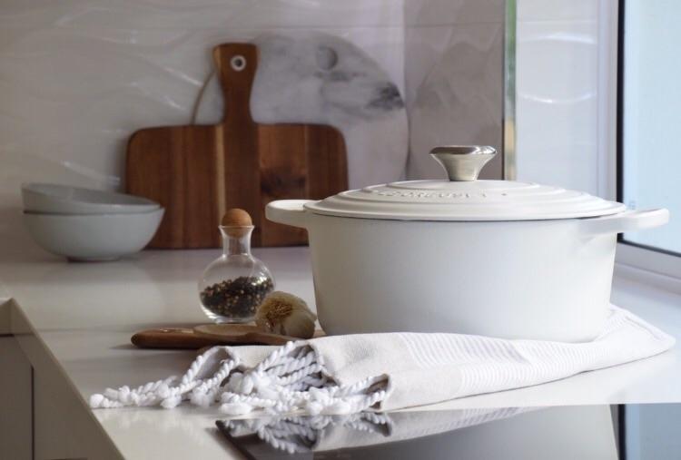 Love Le Creuset pot, perfect co - refinendesigns | ello