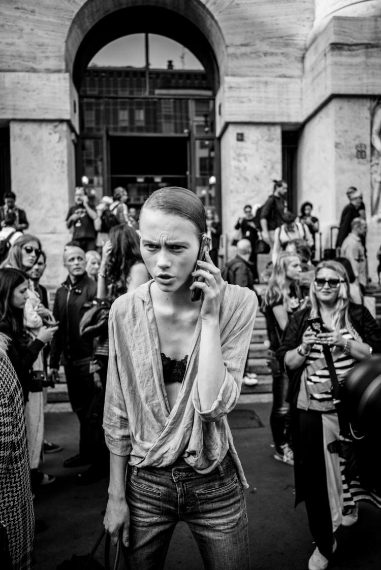 - Piazza Affari, Milano :copyri - acomalini | ello