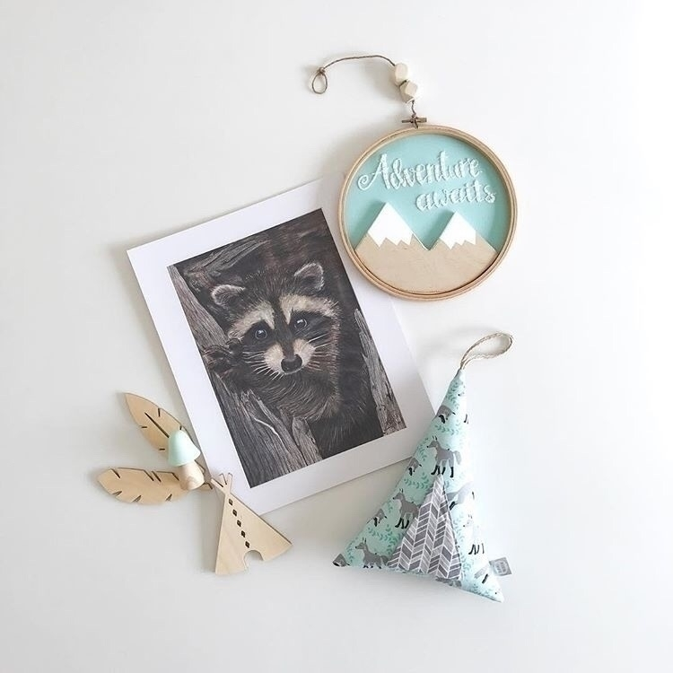 Peekaboo! cheeky raccoon great  - theetchingscollection | ello