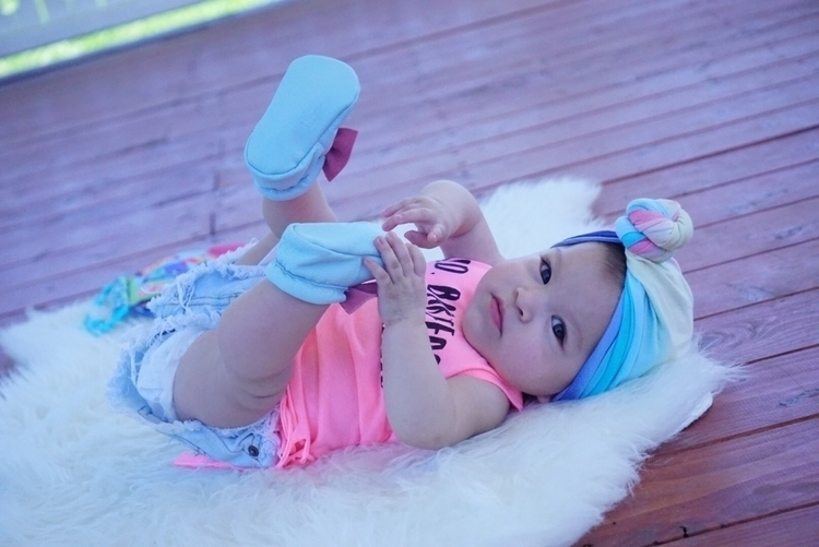 loves feet!!  - happybaby, loveher - esther_lilyana | ello