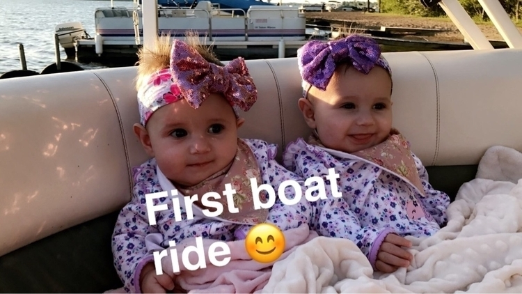 cuties!! clue bought boat babie - kubytwins | ello