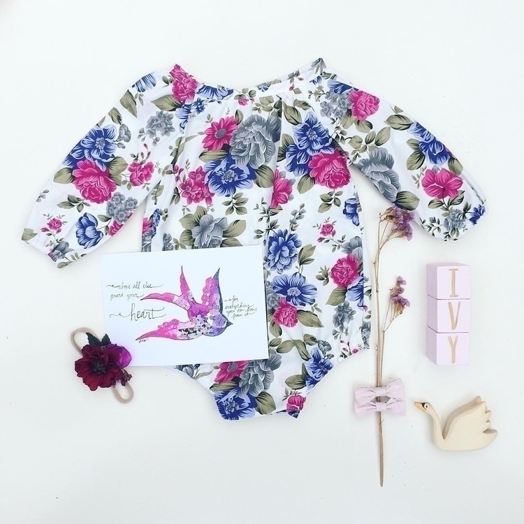 amazing flatlay :heart:️ flower - pretty_little_pickings | ello