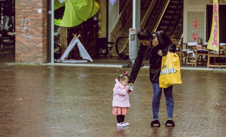 Hurry raining baby - artmen | ello