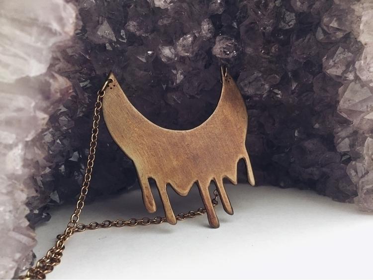 Waning Moon necklace - velvetruins | ello