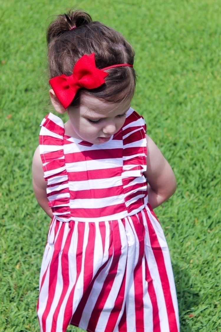 LOVE GORGEOUS red bow lots colo - adventures_of_evie | ello