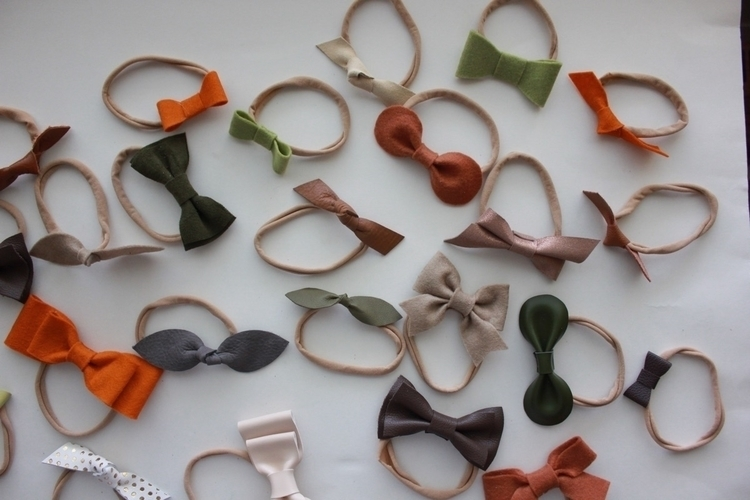 Adding lots bows website. 3/$15 - thebabyniche | ello