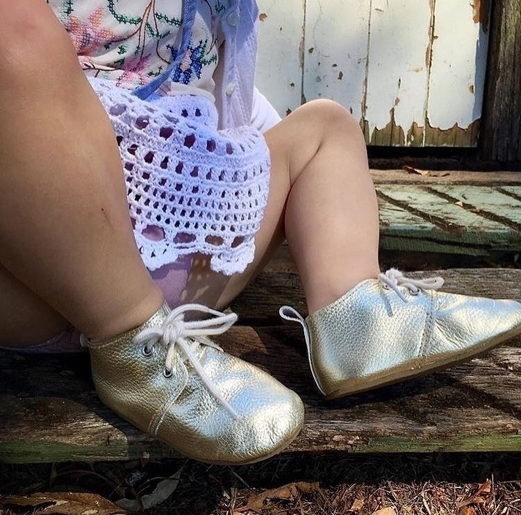 love shot gold leather oxfords  - tootsietoesshoes | ello